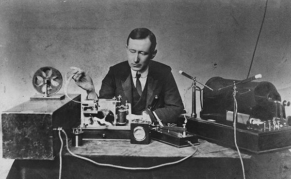 Historische Marconi Sende- u. Empfangsanlage